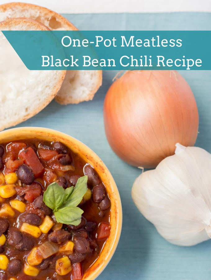 30 Minute, One-Pot Meatless Black Bean Chili Recipe #MeatlessMondayNight